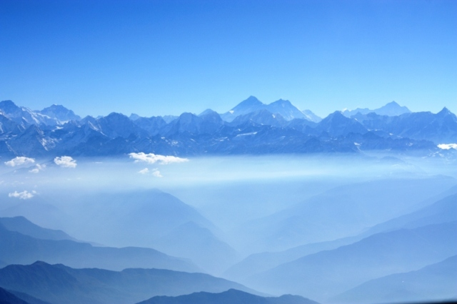Everest Flight - Ocean of Mountains
