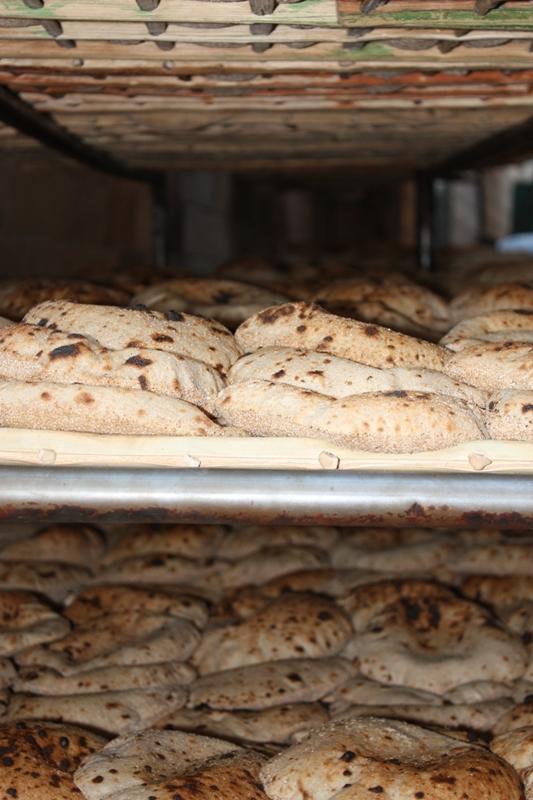 091125 Aswan Fresh bread