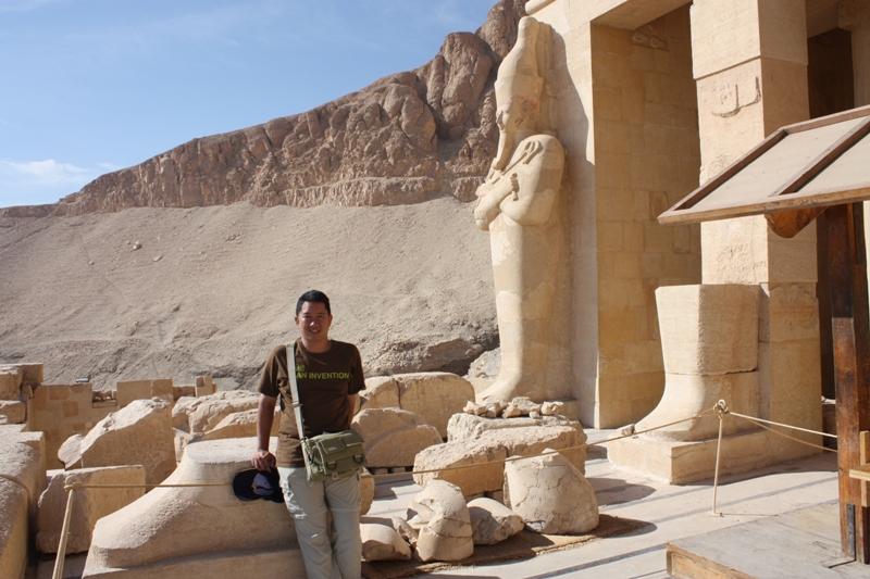091201 Hapchepsut Temple