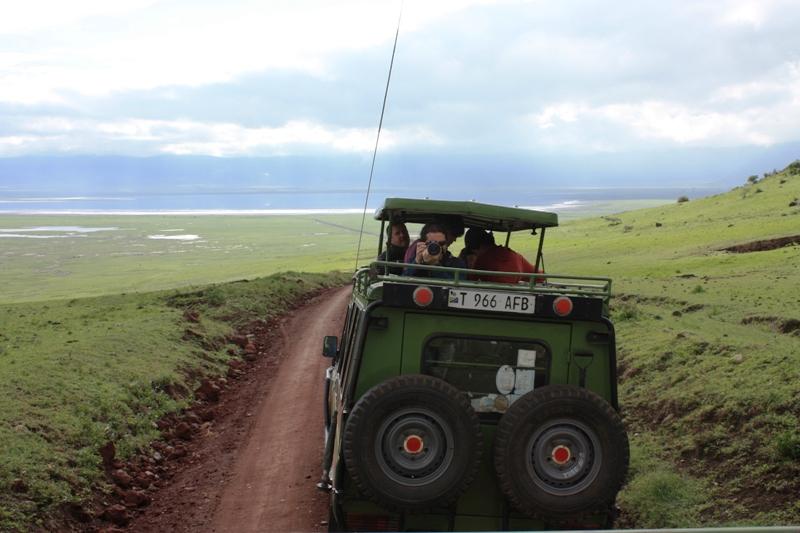 091211 Ngogogoro Crater Descent