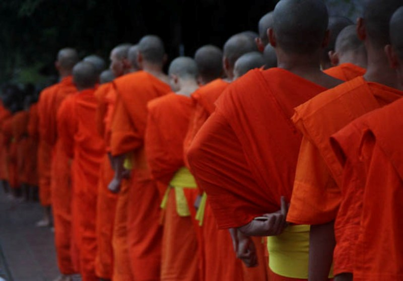 Laos - Luang Prabang - Monks 2