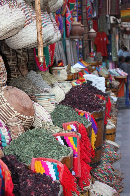 091125 Aswan Market