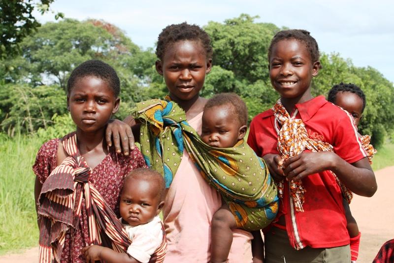 091227 Luangwa Children