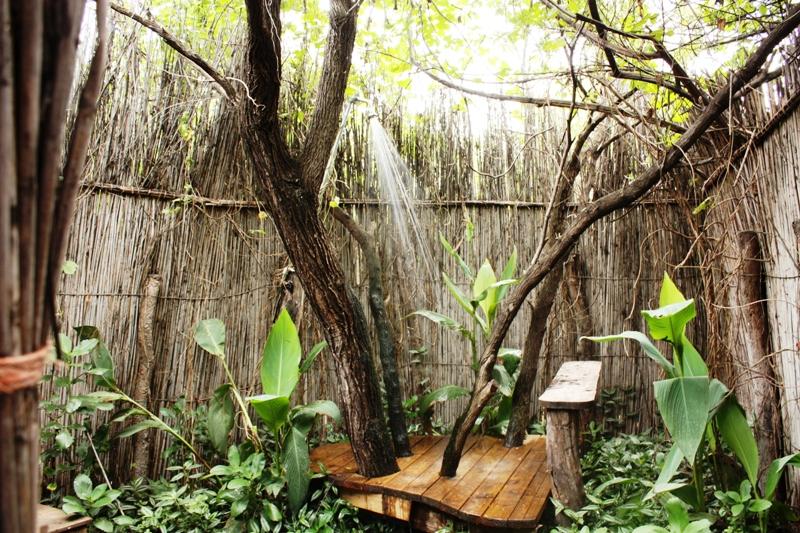 100114 Ngepi Shower