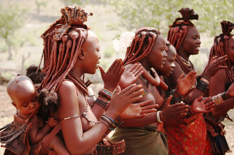 100118 Himba Clapping