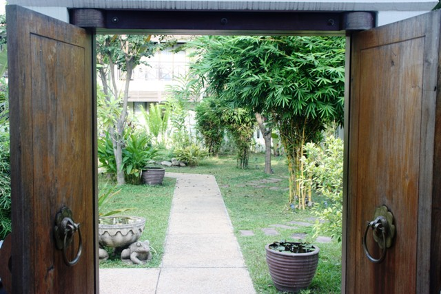 Ansara - Entrance to courtyard