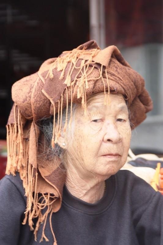 Laos - Luang Prabang - Old woman