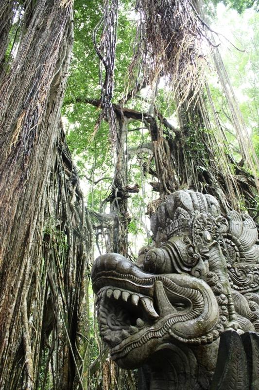 Ubud - Monkey Forest - Statue