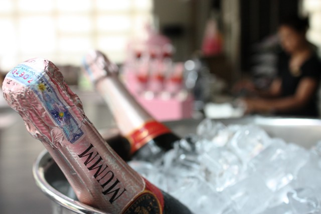 Pink Afternoon Tea - Sofitel Saigon Plaza - pink champagne