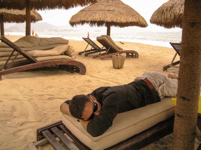 Nha Trang Beach Grub-3