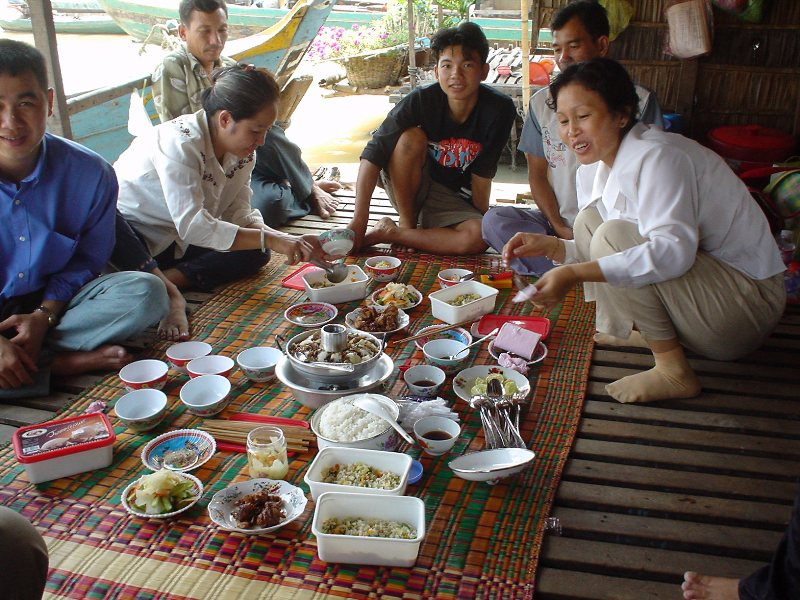 Family Style Meal in Kampong Chhnang